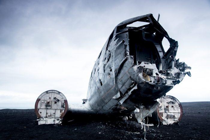 LaHu Travel Photographer Iceland Crashed Plane