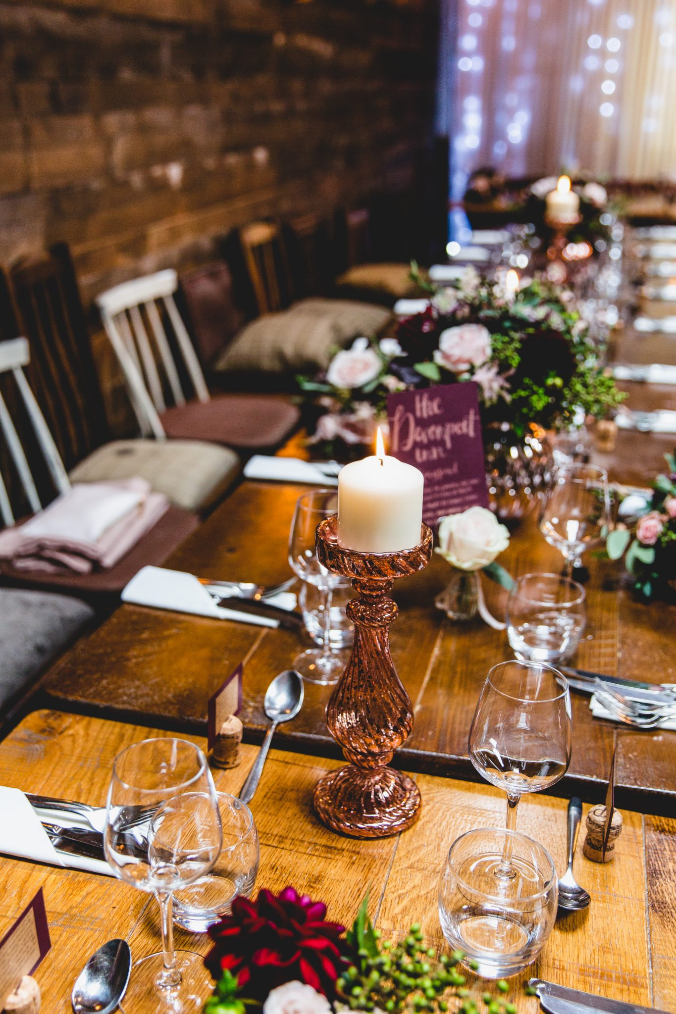 wedding table at the frog and wicket pub